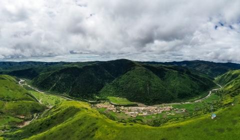 쓰촨 성 아바 티베트족 치앙족 자치주 아바 현  선즈오 마을