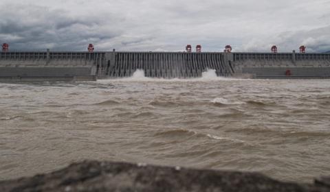 중국, 산샤댐 방류, 낮은  지역으로 물 빼려 둑까지 폭파