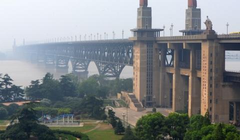 우한 양쯔강 창장(長江) 대교, 첫 번째 2층 도로 대교로 본격 가동