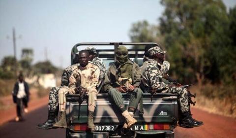 말리 정부, 군대 지하디스트 공격으로 54명 사망